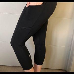 Lululemon Women's Black Leggings Size 6